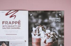 Hos Strandbybaard trykkeri har GB Grafisk Reklamebureau fået trykt et flexbind på med soft touch kachering. Få trykt professionelt og miljøvenligt hos Strandbygaard Trykkeri i Skjern, Vestjylland.